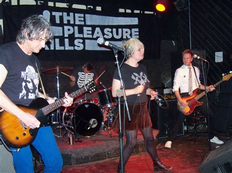 Top 100 Bar Band Songs by Cult Band The Headline A Out