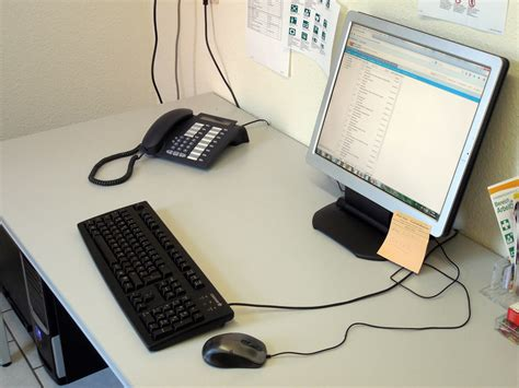 Meja Komputer Di Ace Hardware gambar meja tulis keyboard teknologi mouse telepon