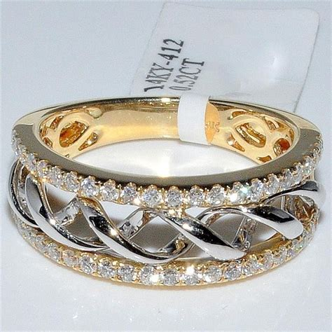Right Ring Fashion by Best 25 Wide Wedding Bands Ideas On Wedding
