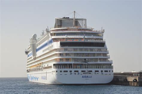 Aidaprima Passagierzahl by Aida Cruises Rostock Fotos Schiffbilder De