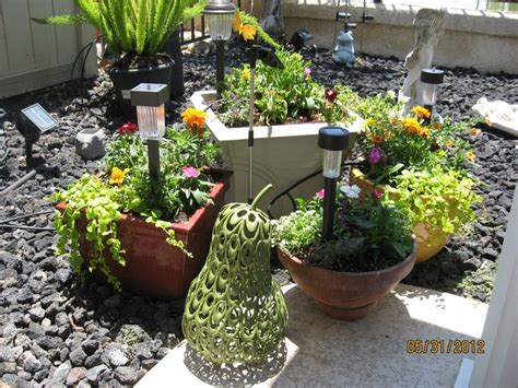 Flower Pot Arrangements For The Patio by 1 Of 2 Flower Pot Arrangements On Patio 5 30 2012 From A