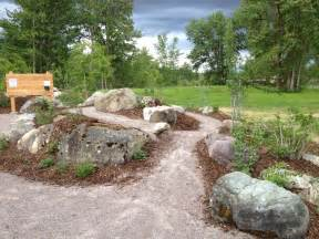 Large Rocks For Gardens Large Rocks For Landscaping Homesfeed