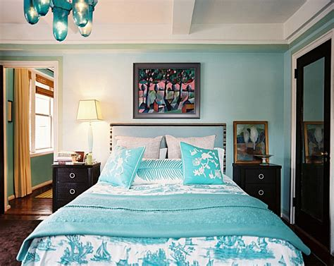 Aqua Blue Bedroom | from navy to aqua summer decor in shades of blue
