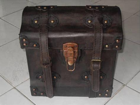 Tas Sepeda Antik koleksi barang antik tas sing model gelombang terjual