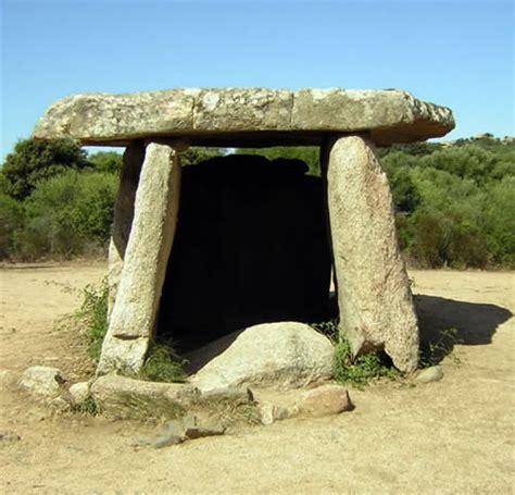 Alat Las Batu ciri zaman megalitikum sejarah dan budaya nusantara