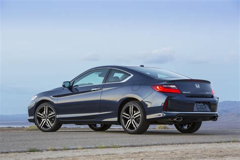 Cover Honda Accord facelifted 2016 honda accord coupe breaks cover 57 photos carscoops