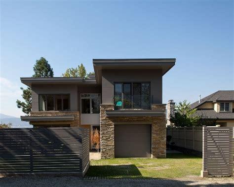Gawang Kayu Kotak Minimalis til beda dengan bentuk rumah minimalis ala farmhouse