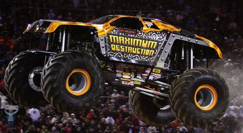 maximum destruction monster truck videos monster trucks and monster jam maximum destruction max d