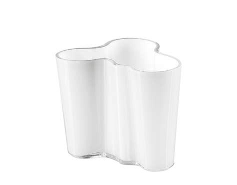 Aalto Savoy Vase by Aalto Savoy Vase Small Hivemodern