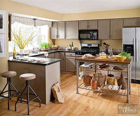 warm paint colors for kitchens pictures ideas from hgtv warm kitchen color schemes