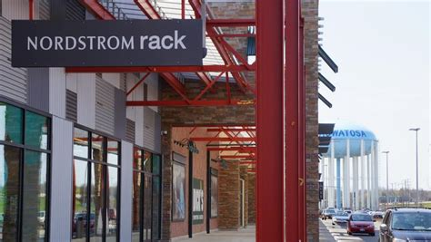 Nordstrom Rack Milwaukee Wi nordstrom rack to open at bayshore town center in fall 2018 milwaukee milwaukee business journal