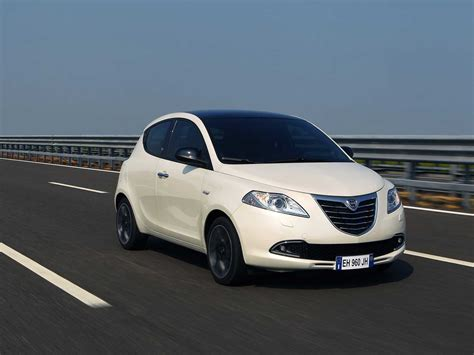 car lancia car pictures lancia ypsilon 2012