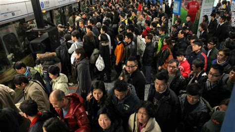 hong kong new year crowded annoying behavior on transportation in hour