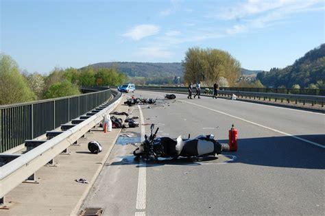 Motorradunfall B by B 292 Bei Mosbach Obrigheim F 252 Nf Verletzte Bei