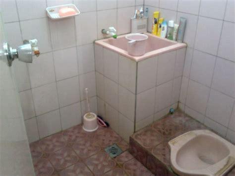 desain kamar mandi dan wc sederhana cara mengatasi saluran met obat atasi wc met