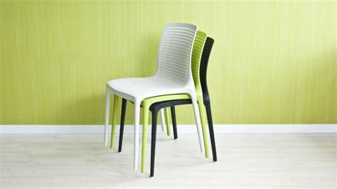 sedie plastica colorate westwing sedie di plastica praticit 224 indoor e outdoor