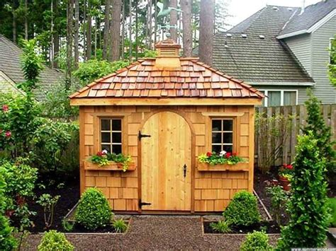 maisons de jardin en bois cabane de jardin en bois maison exterieur ideeco