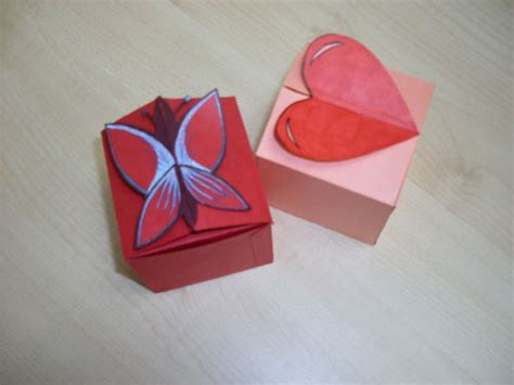 Gift Box Papercraft - gift box and butterfly design free template and