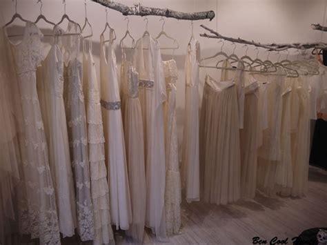 tiendas en milwaukee wi vestidos vestido novia atelier otaduy escaparate bcn cool hunter