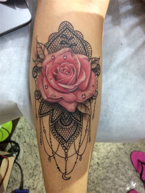 rose mandala tattoo rosa mandala renda tatuando em brasil curitiba