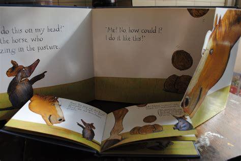 libro topito terremoto little mole un libro por d 237 a libros invitados tres ediciones del quot topito birolo quot werner holzwarth y wolf