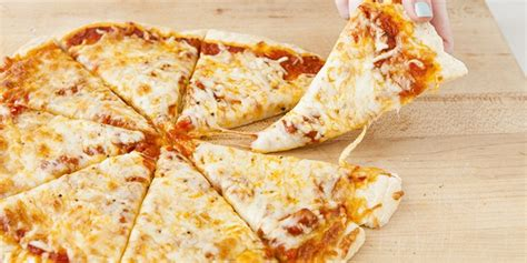bahan membuat pizza keju resep pizza sederhana 4 bahan 2018 harianindo com