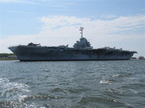 boat tour yorktown uss yorktown as seen from ft sumter tour boat picture