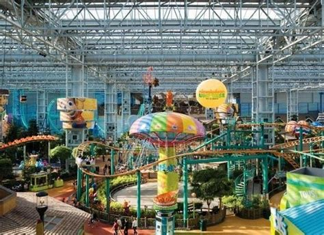 theme parks in us 10 best year round amusement parks in the us huffpost