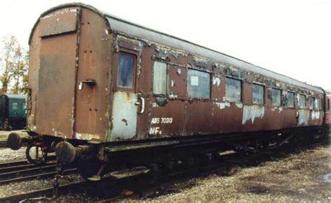 bluebell railway carriages