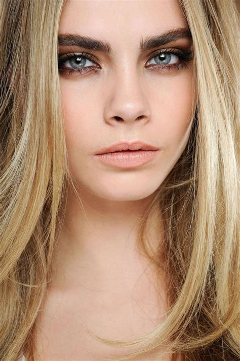 Trend Light Hair Dark Eyebrows | boho beauty trend bold statement eyebrows natural