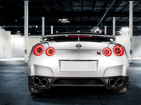 gtr nissan wallpaper nissan gtr wallpapers pictures images