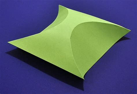Shaped Paper Folding - how to make a simple 3d shape using curved folding