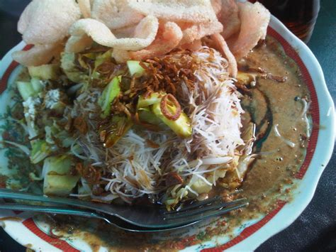 ketoprak  richness  taste   plate