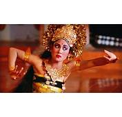 Tari Pendet A Traditional Dance From Bali Indonesia The