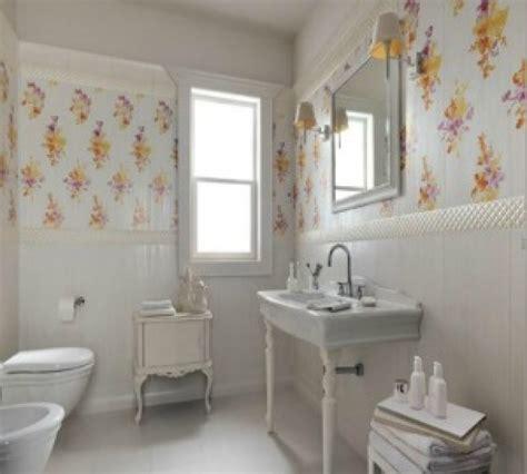 bagno stile provenzale pareti bagno provenzali colori materiali e decori