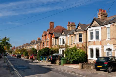 deposit to buy house average deposit under help to buy 2 falls to 163 11 108