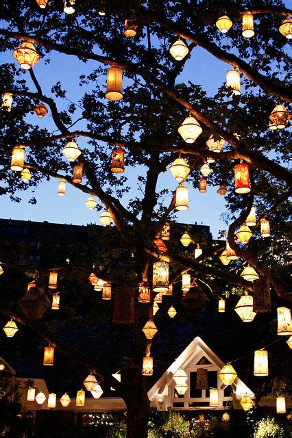 lights central park lanterns new york city tavern on the