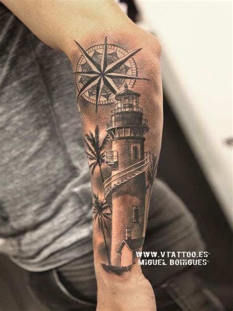 tatuaje de un faro a rodrigo de paul miguel bohigues