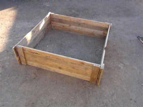raised bed garden box  wood pallets