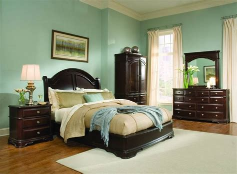 bedroom decorating ideas light green walls light green bedroom ideas with dark wood furniture