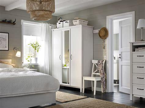 Kleines Schlafzimmer Kleiderschrank by Ein Kleines Schlafzimmer U A Mit 3 T 252 Rigem Brusali
