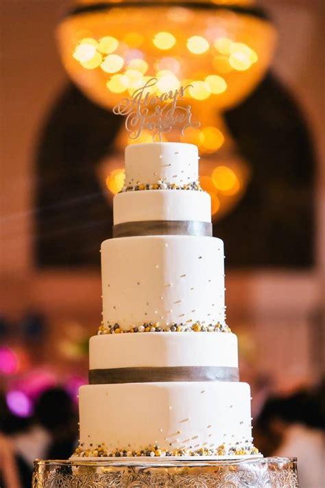 Wedding Cakes Atlanta by Atlanta Wedding With Glam Decor Modwedding