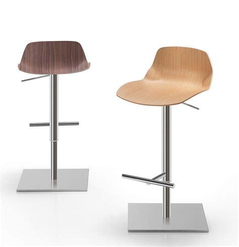 sgabelli immagini sgabello legno metallo ideale per cucine bar e ristoranti
