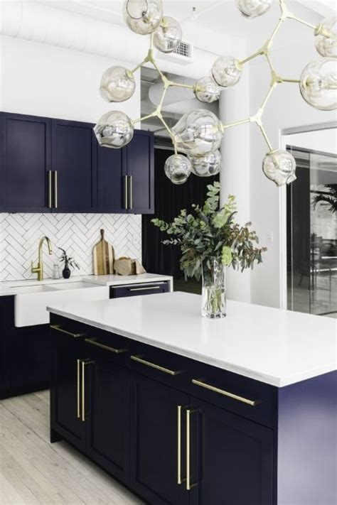 Navy Blue Kitchen Cabinets by Best 25 Navy Kitchen Cabinets Ideas On Navy