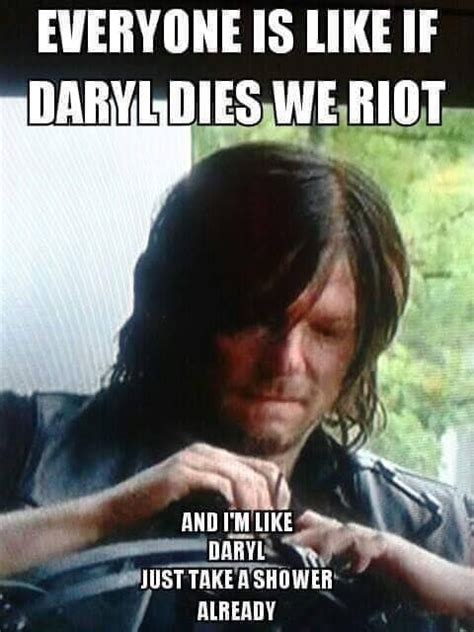 Daryl Walking Dead Meme - 17 best images about daryl dixon funny memes on pinterest