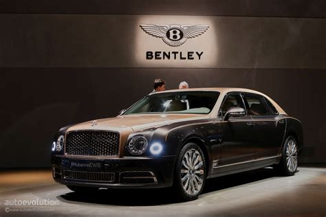 bentley mulsanne extended how bentley made the mulsanne ewb long wheelbase look