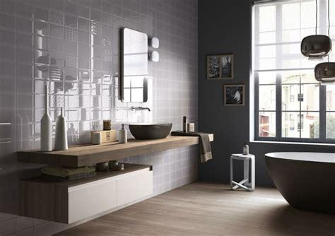Impressionnant Idee De Peinture Pour Salon Et Salle A Manger #4: peinture-carrelage-salle-de-bain-gris-fonce.jpg
