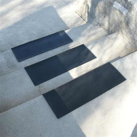 Rubber Treads for Stairs?Safety and Durable Parking Garage