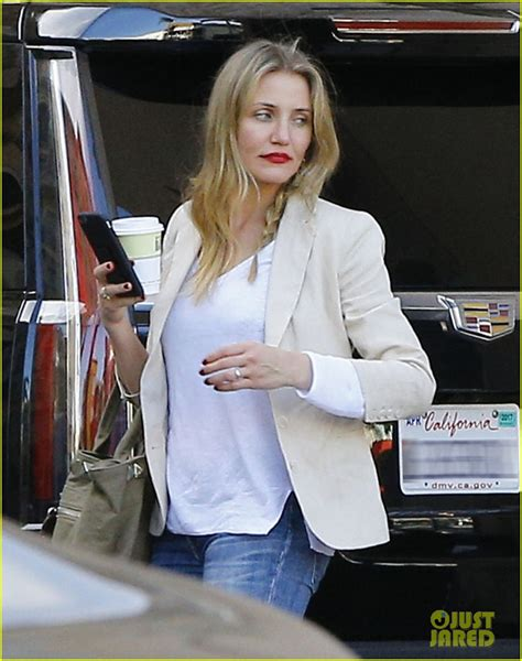 Cameron Steps Out With Magician by Cameron Diaz Steps Out After S Day Dinner Date