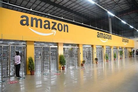 amazon office amazon to double office space in india hyderabad stands